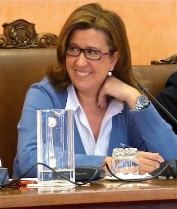 Ana Kringe, alcaldesa de Dénia, en el Pleno Municipal del 28 de enero de 2013. (C) Manuel López 2013