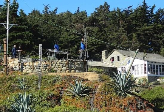 Marianela Jarroud/IPS: Peritos del Servicio Médico Legal exhuman los restos de Pablo Neruda en Isla Negra.