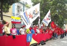 Raúl Límaco/IPS: Partidarios de Maduro festejan su investidura presidencial, el viernes 19 de abril de 2013 en Caracas.