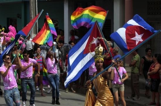 Un alegre desfile clausuró en Ciego de Ávila la VI Jornada Cubana contra la Homofobia. Crédito: Jorge Luis Baños /IPS