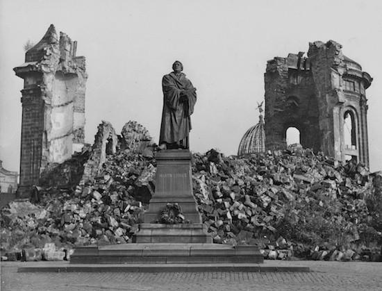 Monumento a Martín Lutero. Ruinas de la Frauenkirche, Dresde. Archivo Manuel López
