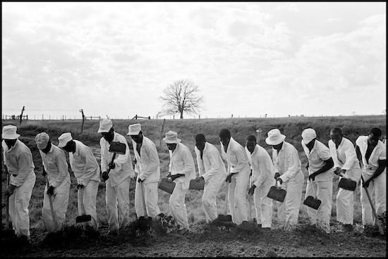 DannyLyon conversations1 550 Foto Colectania exhibe tres series icónicas del fotógrafo Danny Lyon