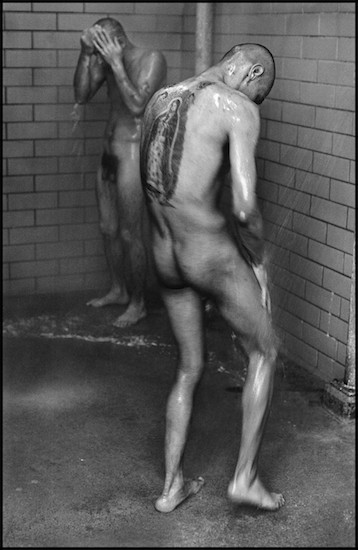 DannyLyon conversations3 550alt Foto Colectania exhibe tres series icónicas del fotógrafo Danny Lyon