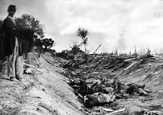 Mathew Brady. Muertos en la batalla de Antietam, Guerra de Secesión norteamericana (1861-1865)