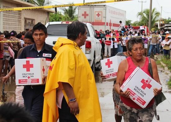 Mexico-Cruz-Roja-distribuye-ayuda