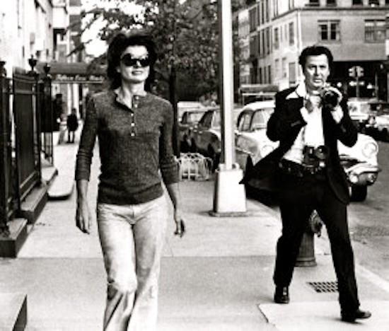 Ron Galella tras Jackie Kennedy /1