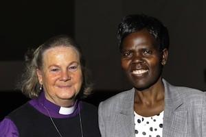 Agnes Abuom (dcha.) y Mary Ann Swenson, moeradora y vicemoderadora del Consejo Mundial de Iglesias (CMI)