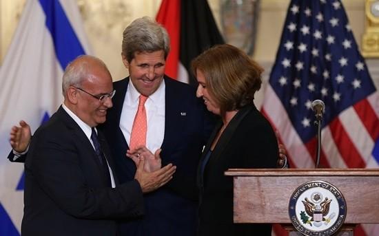 Kerry impulsa las negociaciones entre israelíes y palestinos