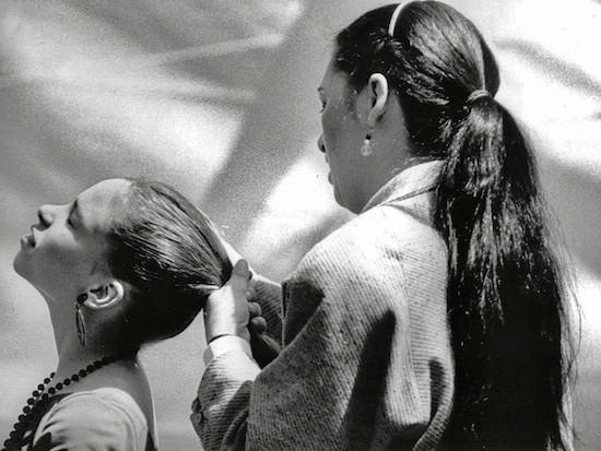 Gitanas peinándose, Barcelona, 1987