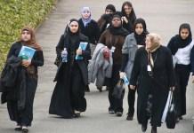 Mujeres con el tradicional velo islámico asisten a las sesiones de la Comisión sobre el Estatus de la Mujer en la sede de la ONU, en marzo de 2010. Crédito: Bomoon Lee/IPS