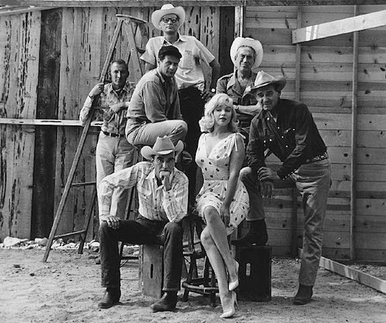 Set Vidas rebeldes. Marilyn Monroe, Clark Gable, Montgomery Clift, Eli Wallach, John Huston, Arthur Miller. Magnum Photos: Inge Morath