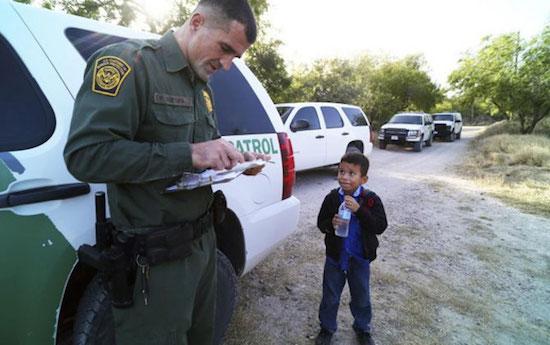 Alejandro-frontera-Texas-JWhitney