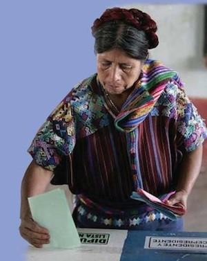 Guatemala-voto-mujer_Foto-flacsoedugt