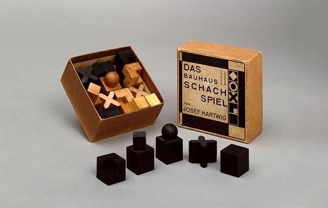 Bauhaus piezas ajedrez caja