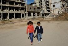 OCHA/Giles Clarke: miles de niños necesitan protección en las zonas de combate de Libia