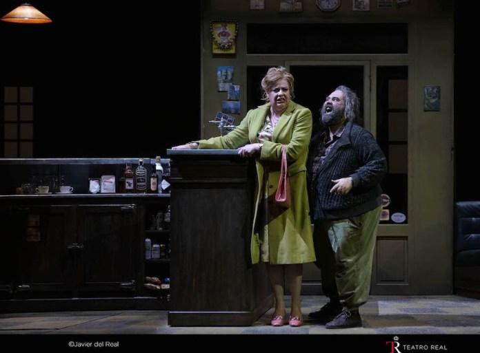 Falstaff y Mrs. Quickly. Foto Javier del Real