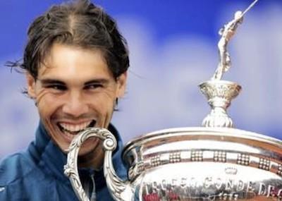 Rafael Nadal celebra un trofeo Conde Godó