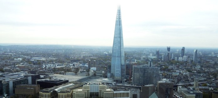 ONU / Elizabeth Scaffidi: torre Shard de Londres vista desde el Támesis