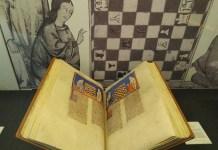 Facsímil del 'Libro de Ajedrez' de Alfonso X, expuesto en la BNE durante la muestra 'AjedreZ. Arte del silencio'