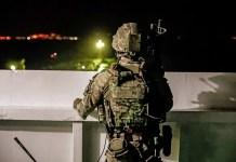 """Marine británico a bordo del """"Grace 1"""" frente a Gibraltar"""