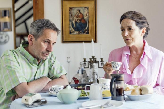 Alfredo Castro y Paulina Garcia en Algunas bestias