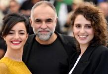 Júlia Stockler e Carol Duarte e o diretor Karim Aïnouz. (Pascal Le Segretain/Getty Images)