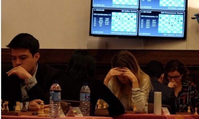 Iturrizaga el ganador en la tercera mesa de la derecha. Foto: Alberto Prieto