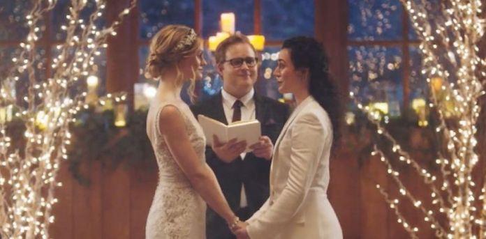 Hallmark Chanel spot boda mujeres gay