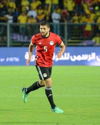 El capitán del Wigan, Sam Morsy, con la camiseta de Egipto.