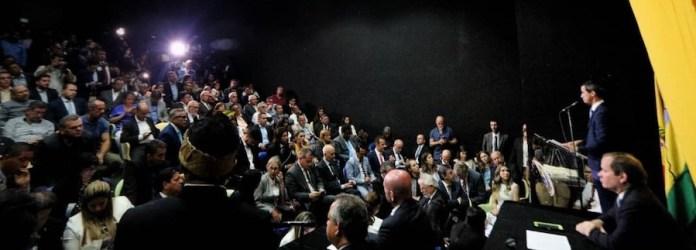 Elegido presidente del parlamento, que lo considera además encargado de la presidencia de la República, Guaidó hizo este 5 de enero de 2020 una nueva llamada a la Fuerza Armada para que favorezca un gobierno de transición que organice una nueva elección presidencial en Venezuela. Crédito foto: Cortesía Asamblea Nacional