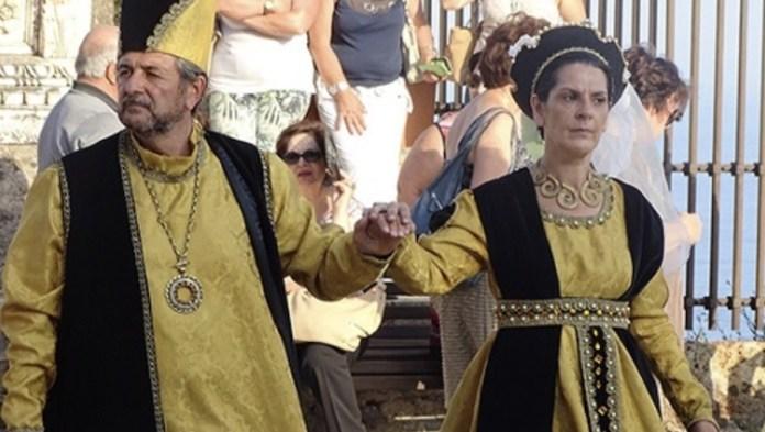 Desfile 'Alla Corte di Macalda' con trajes de época