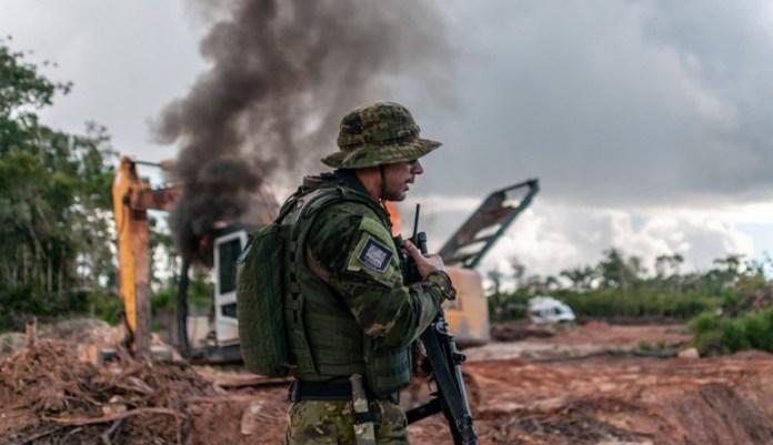 La creciente deforestación de la Amazonia es un gran factor de la pérdida de credibilidad del gobierno brasileño en el exterior. © Vinícius Mendonça / Ibama