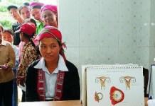 Clínica de salud sexual y reproductiva atiende a mujeres y jovencitas en Vietnam. © Doan BAu Chau / UNFPA