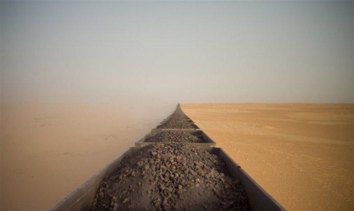 Adrian Guerin: fotografía del tren del Sáhara premiada en el Sony World Photography Awards 2020
