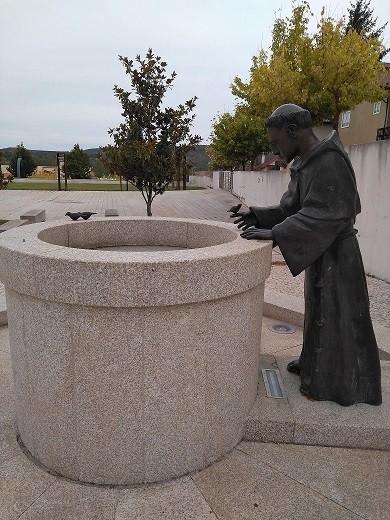 Monumento a San Francisco en Mogadouro