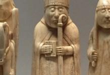 Figura del alfíl Bishop ajedrez Lewis