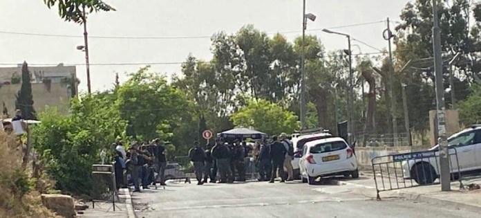 Yahya Arouri: Policía israelí en el barrio de Sheikh Jarrah en Jerusalén oriental, donde las familias palestinas están siendo desalojadas de sus hogares