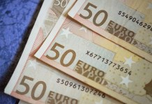 Dinero billetes cincuenta euros