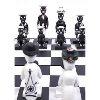 Piezas de ajedrez alusivas al Día de los Muertos mexicano