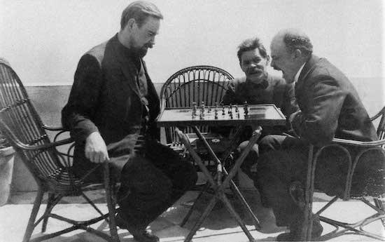 Ajedrez-Lenin-Bogdanov-Gorky-1908