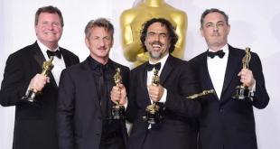 Alejandro González Iñárritu y Leonardo DiCaprio en la gala de los Globos de Oro, 2016