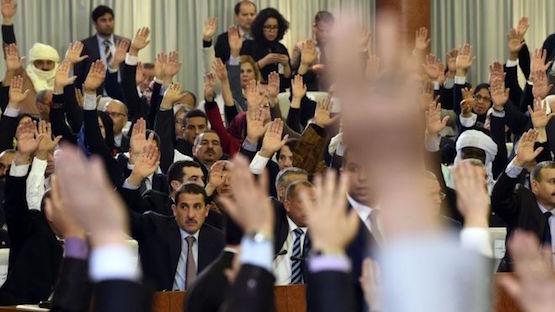 Votación por las Cámaras argelinas en favor de la nueva Constitución.