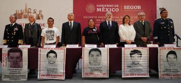 Ayotzinapa AMLO investiga