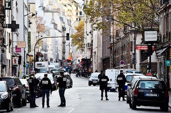 La redada en Bélgica se inició tras encontrar un auto alquilado y matriculado en Bélgica cerca del Bataclán en París. Foto: ANDES/AFP