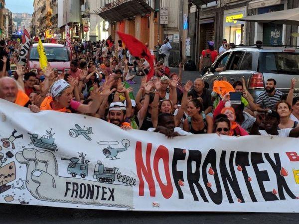 Caravana Abriendo Fronteras Sicilia manifestación