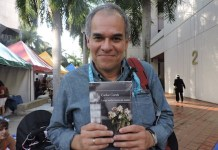 Adriana Bianco: Carlos Cortes en la Feria Internacional de Libro de Miami.