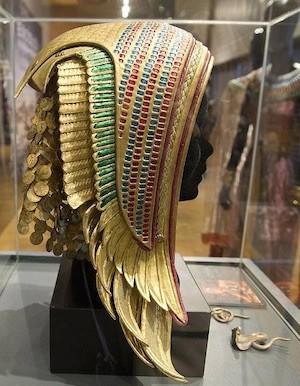 Exodus-vestuario-tocado-egipcio