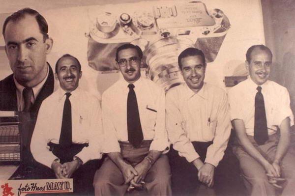 Integrantes de Foto Hermanos Mayo (de izquierda a derecha): Francisco, Julio y Cándido Souza Fernández. Faustino y Pablo Del Castillo Cubillo