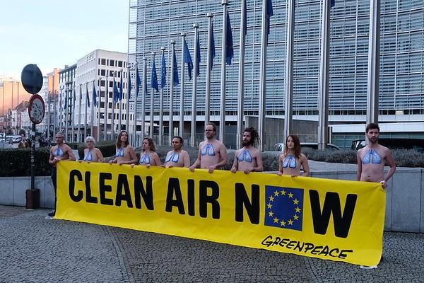 Greenpeace-Bruselas-gposttrih9