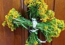 México: cruz de San Miguel con flores de yauhtli